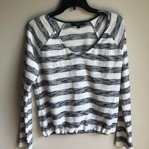 Sanctuary white & navy striped vneck long sleeve